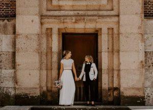 simply elegant outdoor micro wedding